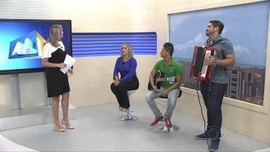 Cantora Nathália Martins bate papo descontraído sobre a carreira musical - Cantora participa atualmente da banda Forró do Comendador.