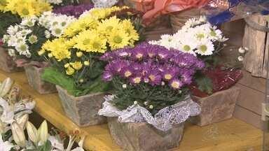 Floriculturas de Porto Velho lotam no Dia Internacional da Mulher - Lembranças para colocar nas flores também foram procuradas.