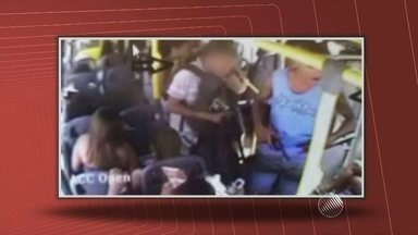 Assalto a ônibus deixa um morto e pelo menos dois feridos na Avenida Bonocô - Crime provocou um grande engarrafamento na região.