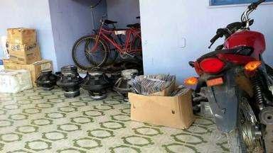 Produtos sem nota fiscal são apreendidos em Arapiraca - Duas pessoas foram presas durante acão contra o comércio ilegal.