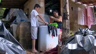 Moradores contabilizam estragos após alagamentos em São José, SP - Região norte foi a mais atingida pelo temporal.