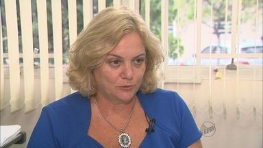 MP pede afastamento da secretária de Saúde de Franca, SP - Segundo a promotoria, Rosane Moscardine tem atrapalhado as investigações sobre o caso dos falsos médicos que atuaram no pronto-socorro municipal.