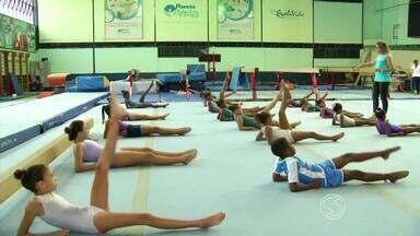 Em Três Rios, RJ, projeto de ginástica artística quer revelar novos talentos - Totalmente gratuito, ele já atendeu mais de 5 mil alunos e prepara futuras campeãs.