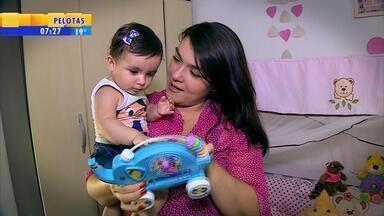 Mãe se preocupa com desenvolvimento, mas busca passar segurança - Assista ao vídeo.