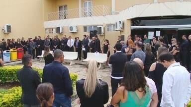 Em Ariquemes, advogados se reuniram em apoio a Operação Lava Jato - Protesto foi em repúdio às declarações do ex-ministro da Casa Civil, Jaques Wagner, em gravações de conversas telefônicas.