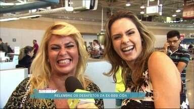 Ana Paula vai ao aeroporto atrás de Cida do BBB2 - A ex-aeromoça relembra os desafetos na casa e fala do episódio em que ouviu a voz da irmã morta durante sua participação no programa