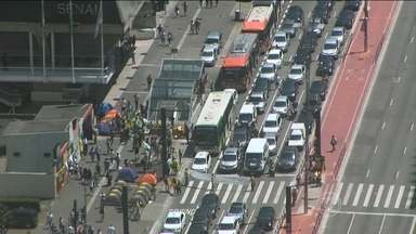 Manifestantes protestam na Avenida Paulista, neste sábado (19) - Manifestantes contra o governo Dilma estão na Avenida Paulista. Veja.