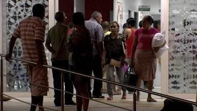 Novo balanço da dengue é divulgado no DF - O Distrito Federal tem agora 9200 casos da doença. Brazlândia continua no topo da lista, mas pacientes reclamam da demora no atendimento mesmo em locais onde os números são menores.