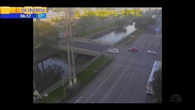 Acompanhe a movimentação do trânsito de Porto Alegre na manhã desta quinta (24) - Assista ao vídeo.