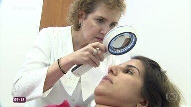 'Você Mais Poderosa': Luciana começa sua transformação na dermatologista - Especialista explica o tratamento