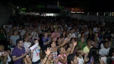 Cerca de 5 mil participam de tradicional Missa da Quarta-feira Santa - Cerca de 5 mil participam de tradicional Missa da Quarta-feira Santa