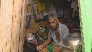 Campanha na internet pede ajuda para família em condições precárias no AM - Família mora no bairro Santa Etelvina, na Zona Leste de Manaus.