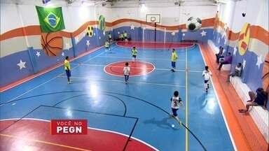 Augusta economiza dinheiro durante 30 anos e abre escola de esportes - A empresária poupou o dinheiro do próprio salário e juntou R$ 1 milhão para realizar seu sonho. A escola está aberta desde 2010 e oferece 16 atividades esportivas, na Zona Leste de São Paulo.