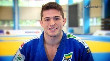 Victor Penalber conta a sua vida em 1 minuto - Aos 17 anos, Victor Benalber entrou na seleção brasileira de Judô e em 2015 conquistou o Bronze no Campeonato Mundial de Judô.