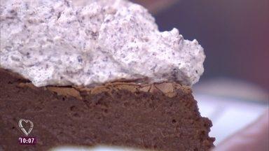 Torta Cremosa de Chocolate - Ana Maria Braga mostra a receita para Dona Carminha, que ganhou o 'Delivery Mais Você'