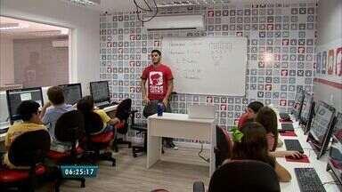 Cursos de programação e robótica atraem a atenção de crianças em Fortaleza - Empreendedorismo e Raciocínio Lógico são ensinados de forma lúdica as crianças. A escola ainda oferece oficinas gratuitas iniciadas a partir deste sábado, 02.