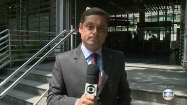 Justiça aceita denúncia contra cartel em licitação de trens em São Paulo - A Justiça de São Paulo aceitou a denúncia contra sete executivos acusados de fraudar uma licitação de trens em 2009, durante o governo de José Serra, do PSDB. O valor do contrato era de R$ 1,8 bilhão.