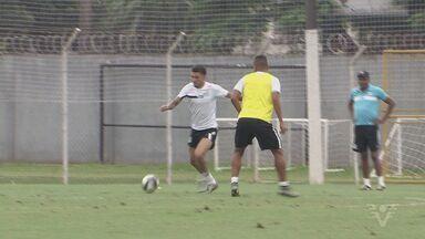 Santos analisa os erros e volta a treinar após empate com São Paulo - Treinam determinados para a partida de quinta-feira (31), contra a Ferroviária.