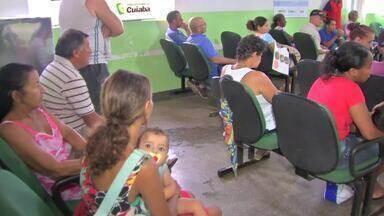 Idosa, de quase 100 anos, peregrina em busca de médicos nas policlínicas de Cuiabá - Idosa, de quase 100 anos, peregrina em busca de médicos nas policlínicas de Cuiabá