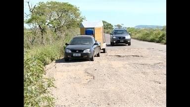 Uma rodovia na região central do estado virou um desafio para os motoristas - O problema são os buracos.