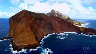 Trindade, no meio do oceano, é o arquipélago mais isolado do Brasil - Ilha tem montanhas vulcânicas de surpreendente beleza. Uma mistura de rochas de todas as cores e um cenário que lembra a superfície de Marte.