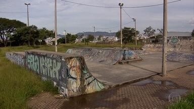 Parques municipais que deveriam ser espaços de lazer estão abandonados - Telespectadores do MGTV sugeriram a reportagem para demonstram a situação de descaso em alguns parques.