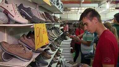 Feira de Sapatos oferece descontos de até 70% em Novo Hamburgo, RS - Evento ocorre até o dia 17/04 no Vale do Sinos.