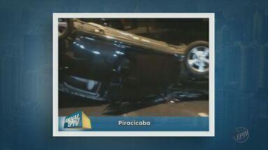 Carro colide com poste e capota em avenida de Piracicaba - O acidente aconteceu na madrugada dessa sexta-feira (15). O impacto da batida arrancou uma roda com parte da suspensão junto.