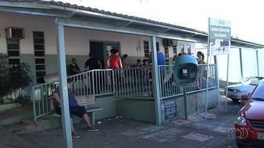 Postos de saúde estão sem vacina contra H1N1, em Goiânia - Em algumas unidade houve longas filas, muita reclamação e até discussões. Secretaria de Saúde disse que estado deve receber novas doses até dia 30.