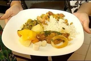 Segredos & Sabores: Aprenda a fazer um especial e delicioso frango caipira - Prato é acompanhado de farofa de ervilhas.