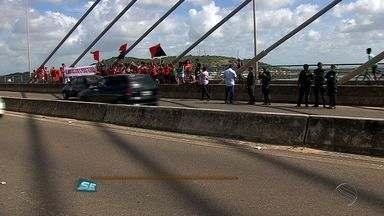 Protesto a favor do governo são realizados em vários locais de Sergipe - Protesto a favor do governo são realizados em vários locais de Sergipe.