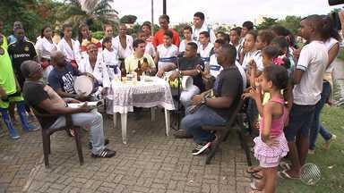 Boteco do Renan: banda Fora da Mídia anima o quadro - Quadro foi gravado na comunidade do Tororó.