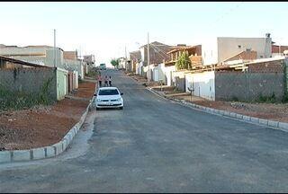 Calendário: Moradores do Bairro Raul Lourenço recebem obras de asfaltamento e drenagem - Problema já havia sido mostrado várias vezes no MG Inter TV.