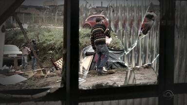 Um ano após tornado, moradores de SC reconstroem suas histórias - Um ano após tornado, moradores de SC reconstroem suas histórias