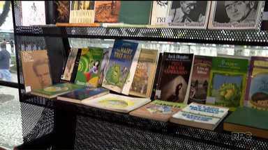 Que tal doar livros e ajudar na formação de muita gente? - Projeto da Prefeitura de Curitiba leva os livros doados às Tubotecas e Casas de Leitura.