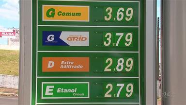 O preço do etanol caiu nos postos de combustíveis de Guarapuava - O preço chegar a cair 10 centavos em alguns postos. Será que está compensando abastecer com etanol? Veja a opinião dos motoristas.