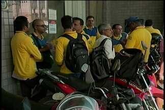 Funcionários dos Correios, em vários estados, fazem paralisação por 24 horas - Em Petrolina, os servidores chamaram a atenção da população para as condições de trabalho.