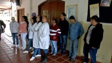 Colaboradores do Asilo São Bosco decidem entrar em greve em Campo Grande - A instituição de quase 100 anos está enfrentando dificuldades financeiras e, por isso, tem atrasado o pagamento dos funcionários. Há dois meses sem receber salários, os colaboradores decidiram entram em greve a partir da próxima semana.