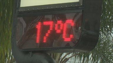 Frente fria surpreende moradores de RO - Frente fria chega a no estado de Rondônia nesta na madrugada desta quarta-feira (27).