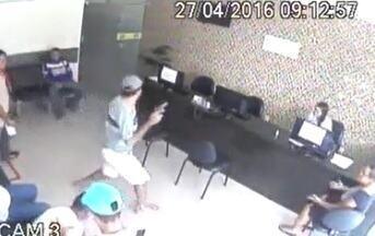 Dupla armada rende clientes e funcionários e assalta autoescola na Grande Fortaleza - Até a noite desta quarta, ninguém foi preso.