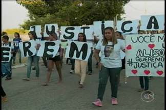 Outra manifestação aconteceu ontem para lembrar o assassinato do jovem Alisson Nunes - Amigos e Familiares se reuniram para pedir justiça pelo crime que completa seis meses