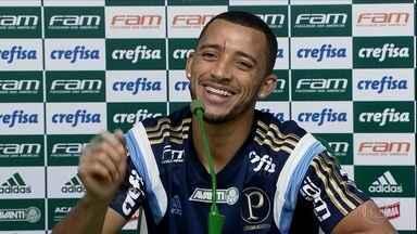 Vitor Hugo analisa chegada do reforço Tchê Tchê, mas brinca que jogador deve mudar o nome - Verdão terá três semanas para se preparar para o Brasileiro