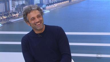 Domingos Montagner apresenta peça em Porto Alegre neste fim de semana - Na TV, o ator é Santo dos Anjos em Velho Chico.