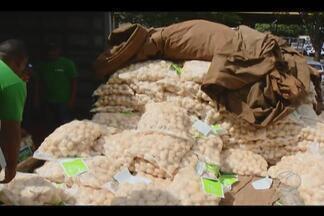 Preço da batata sobe mais de 100% em Uberlândia - Na semana passada um saco de 50 quilos custava R$ 120 e agora já é vendido a R$ 250.