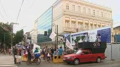 Veja repercussão da anulação da votação do impeachment de Dilma Rousseff - Grupos comemoraram e outros protestaram.