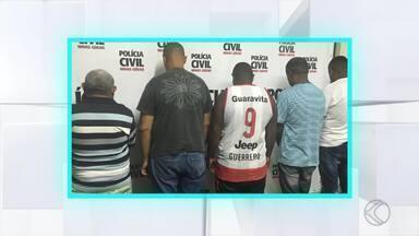 Grupo é detido suspeito de receptação em Juiz de Fora - Buscas começaram após uma loja no Bairro Botanágua ter sido assaltada. Suspeitos têm entre 22 e 65 anos.