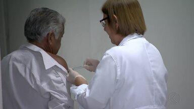 Cidades da Zona da Mata e Vertentes retomam vacinação contra a gripe - São João Nepomuceno e Viçosa devem retomar nesta terça-feira (10). Já em Ubá, a previsão é de que as doses estejam disponíveis a partir desta quarta (11).