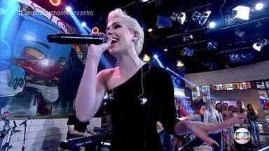Sophia Abrahão canta 'Sou Fatal' - Música foi composta por Nando Reis e terá clipe lançado no próximo mês