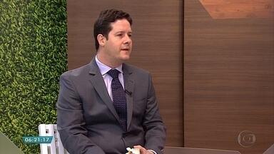 Ortopedista explica sobre sintomas e tratamentos para hérnia de disco - Entrevista ao vivo no estúdio com o especialista em coluna Cristiano Menezes.