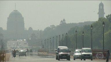 Índia enfrenta forte onda de calor - Na capital, Nova Deli, fez 47ºC essa semana e a cidade de Phalodi, no oeste do país, sofreu com a maior temperatura já registrada na Índia: 51ºC.